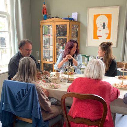 Inloop ochtend en lunch met sociale benadering dementie